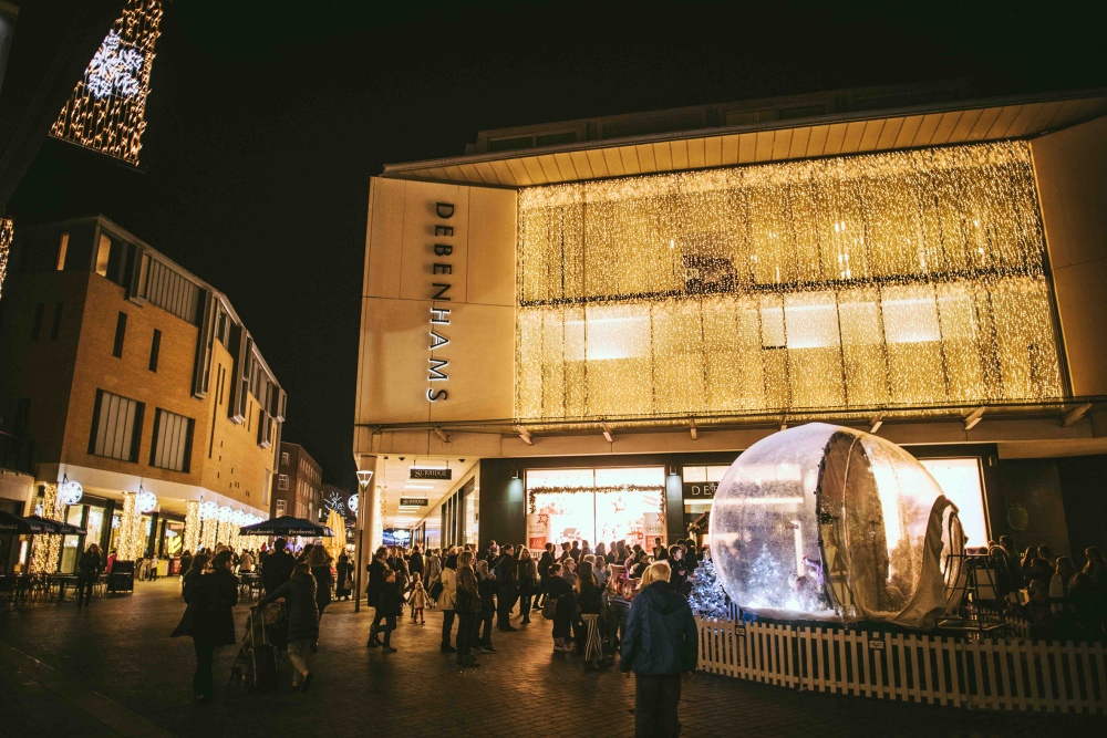 princesshay-lights-19-11-15-small-matt-austin-77-snow-globe